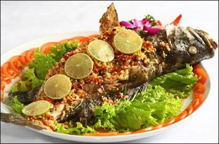 Fried-fish-on-the-fire-lake cambodia culture